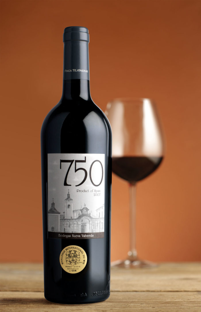 Bottle and glass of 750