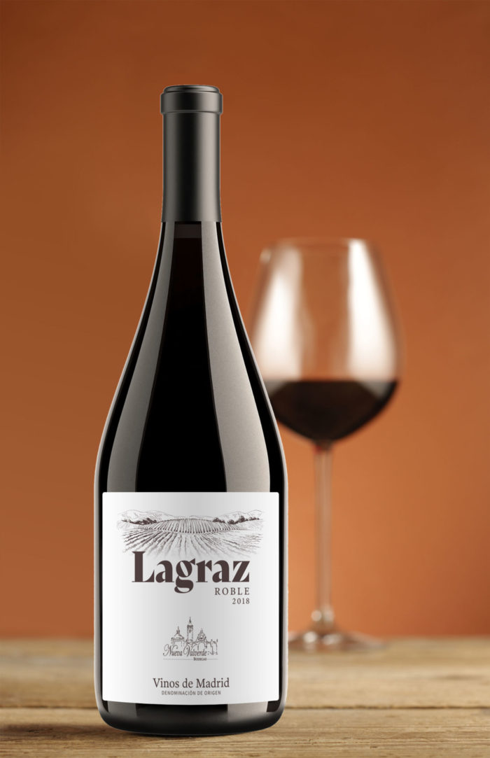 Bottle and glass of Lagraz